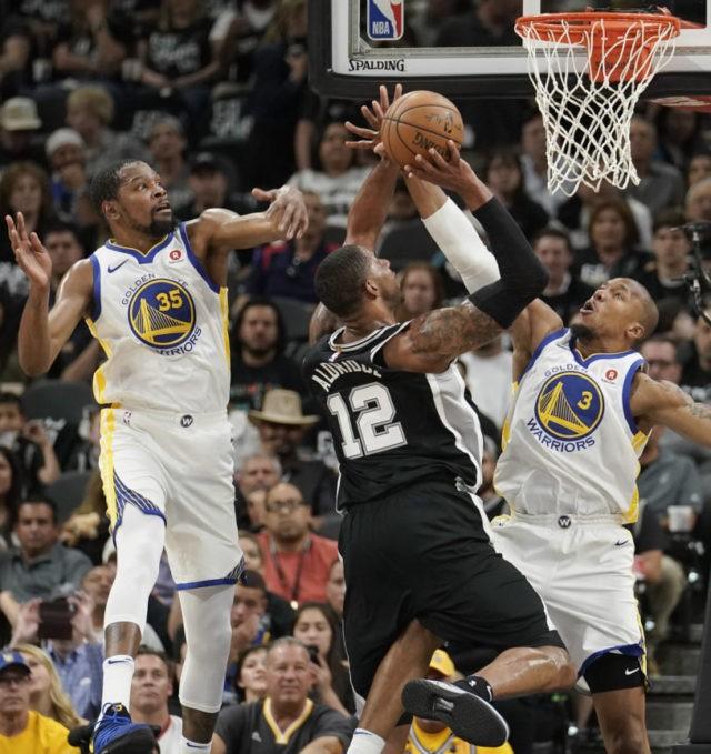 Ginobili, Aldridge help Spurs beat Warriors to avoid sweep