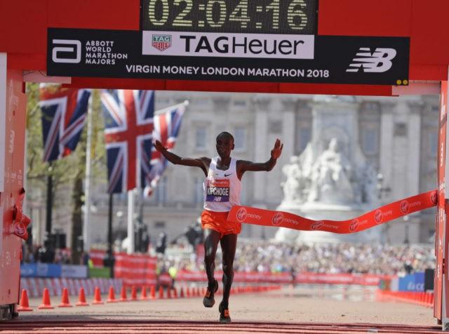Kipchoge, Cheruiyot of Kenya win at hottest London Marathon