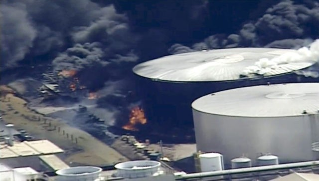 The Latest: Authorities say fire out at Wisconsin refinery
