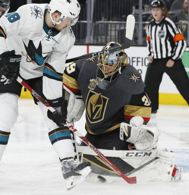 Fleury's 3rd shutout of playoffs helps Vegas beat Sharks 7-0