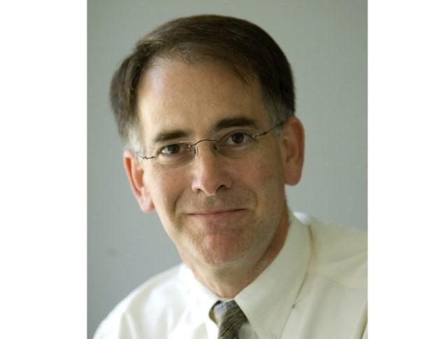 Steven Komarow dies, ex-AP journalist, Roll Call editor