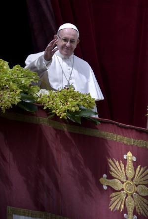 Pope Easter message: 'We implore fruits of peace' worldwide