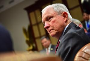 AG Sessions orders 'zero tolerance' on illegal border crossings