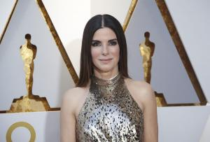 Sandra Bullock plans a heist in new 'Ocean's 8' trailer