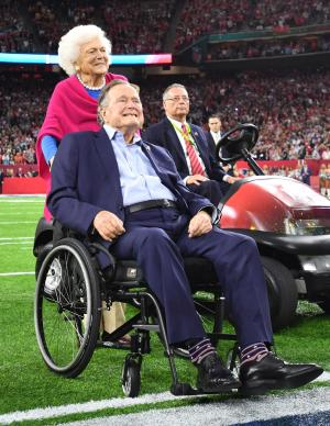 Barbara Bush 'in failing health,' to decline additional medical treatment