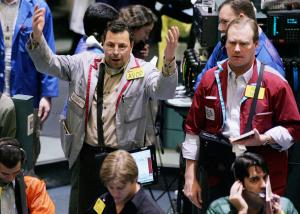 Risk of a hot market drags oil prices lower