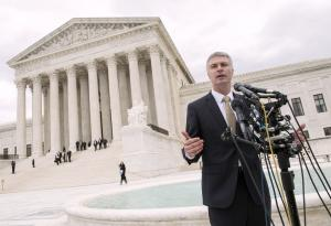Supreme Court appears divided on online sales tax