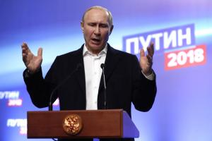 Putin Russia's most trusted politician, but approval falling
