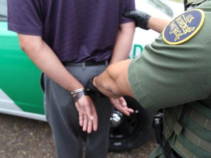 Border Patrol Agent arrests migrant - Laredo sector
