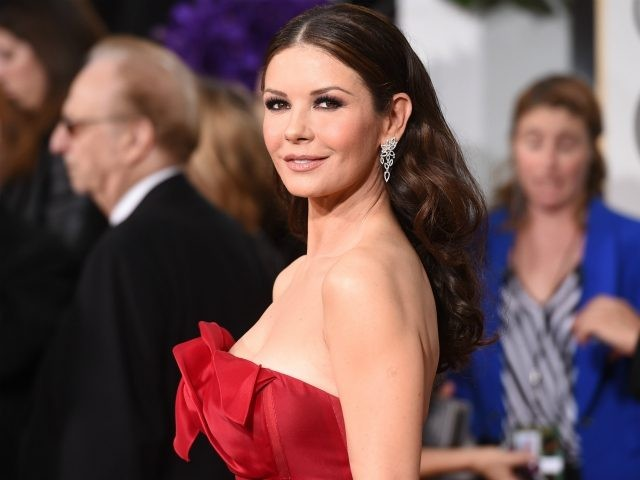 ActressCatherine Zeta-Jones attends the 72nd Annual Golden Globe Awards at The Beverly Hilton Hotel on January 11, 2015 in Beverly Hills, California. (Photo by Jason Merritt/Getty Images)