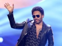 Lenny Kravitz is seen on stage at the GQ Men Of The Year Award 2014 at Komische Oper on November 6, 2014 in Berlin, Germany. (Photo by Sean Gallup/Getty Images for GQ)