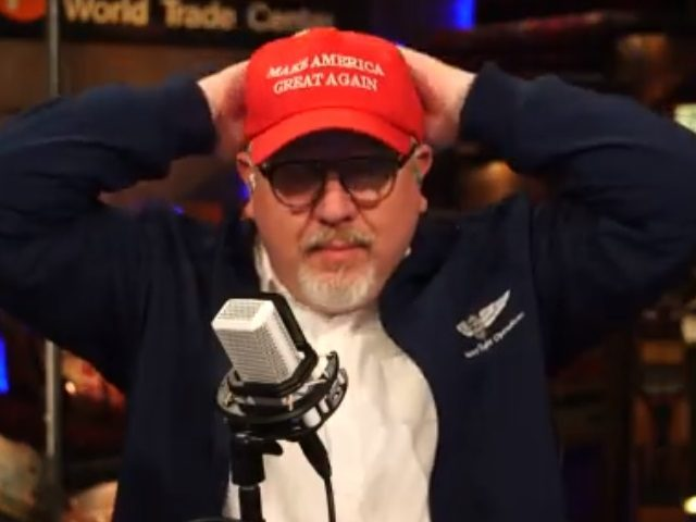 "Glenn Beck wearing a ""Make America Great Again"" hat."
