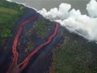 Hawaii Lava Flows Create Poisonous 'Laze' Cloud After Reaching the Ocean