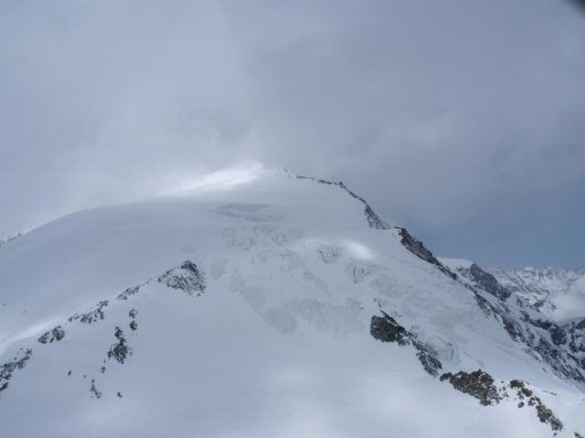 A sixth member of a party of skiers caught by bad weather in the Pigne d'Arolla area of the Swiss Alps has died
