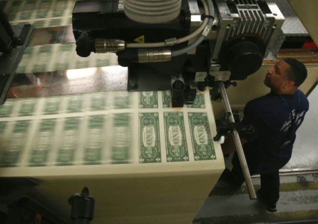A broadly positive outlook for the US economy, along with easing geopolitical and trade worries, has helped to lift the US dollar