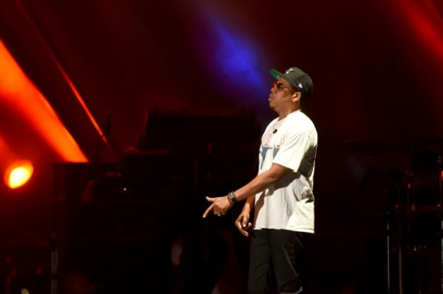 Recording star Jay-Z failed to respond to two subpoenas for testimony about the $200 million sale of his Rocawear brand to Iconix, the SEC said.