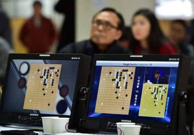 While artificial intelligence (AI) programmes have recently made great strides in imitating human brain processing -- everything from recognising objects to playing complicated board games -- spatial navigation has remained a challenge