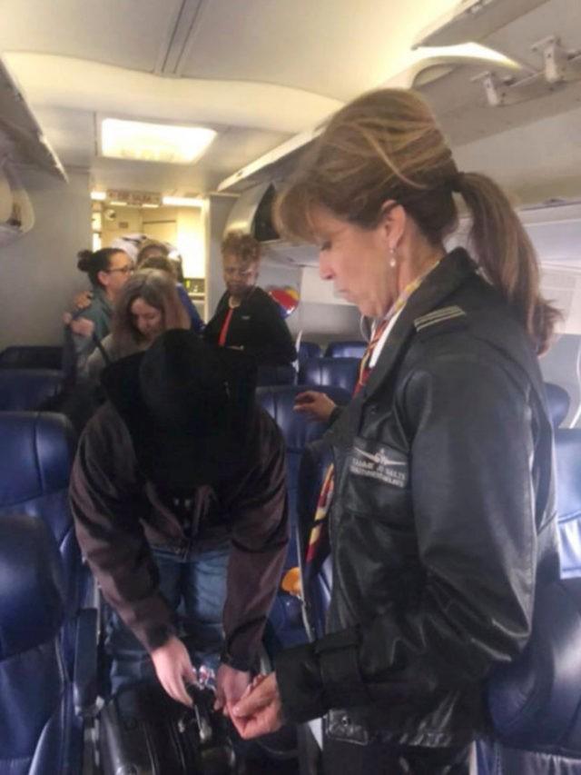 Trump welcomes Southwest Airlines flight crew, passengers