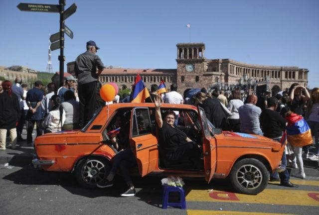 Armenia protest leader warns of 'tsunami' if he isn't PM