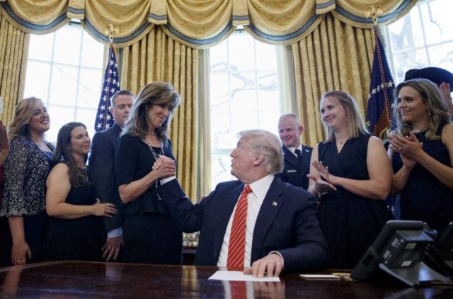 Donald Trump, Tammie Jo Shults,