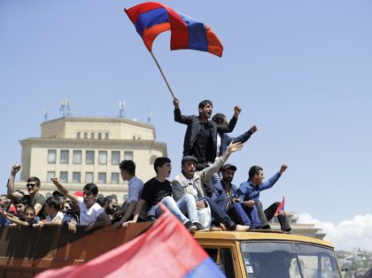 Opposition protesters block Armenia's main airport