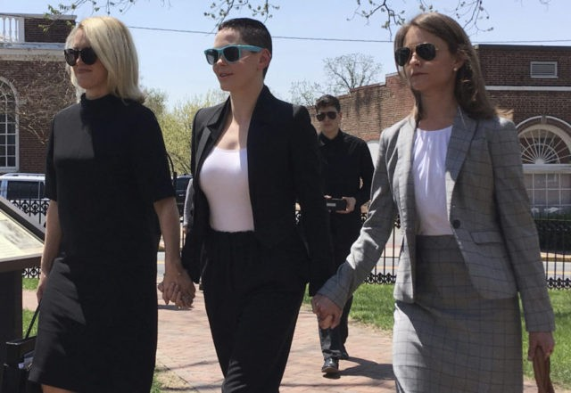 Grand jury to consider drug charge against Rose McGowan