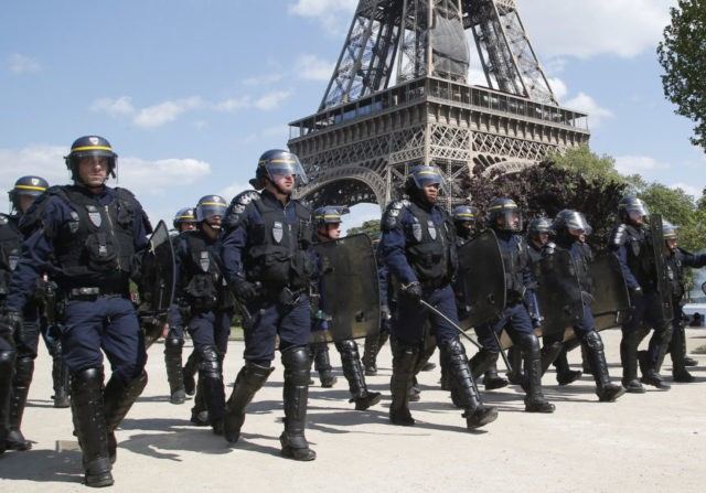 2,000 French police on streets for anti-Macron protest