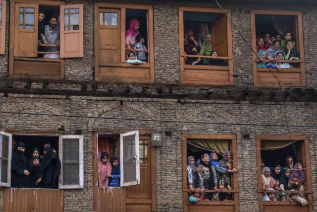 5 Kashmir rebels, 5 civilians killed in anti-India fighting