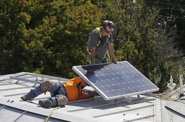 California regulator OKs solar panels mandate for new homes