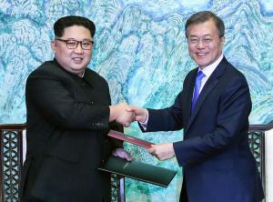 Moon shares economic vision for Korean Peninsula with Kim Jong Un
