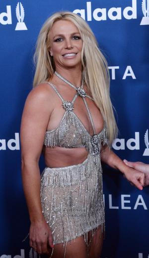 Britney Spears, Sam Asghari perform couples workout in new video