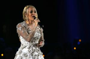 Carrie Underwood returns in 'Cry Pretty' music video
