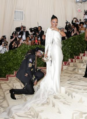 2 Chainz proposes to girlfriend Kesha Ward at 2018 Met Gala