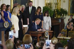 Trump signs order to increase job opportunities for military spouses
