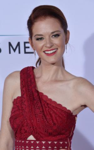 'Grey's Anatomy': Sarah Drew tells fans to 'stop attacking' Kelly McCreary