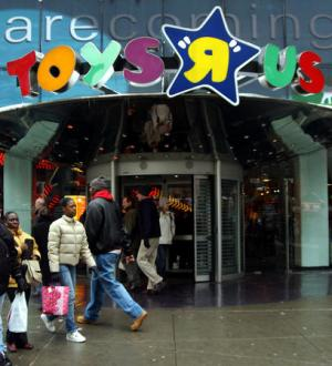 Toys 'R' Us employees demand severance pay