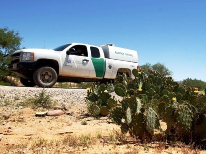 Border Patrol agent in Arizona desert. (AP File Photo: Ross Franklin)
