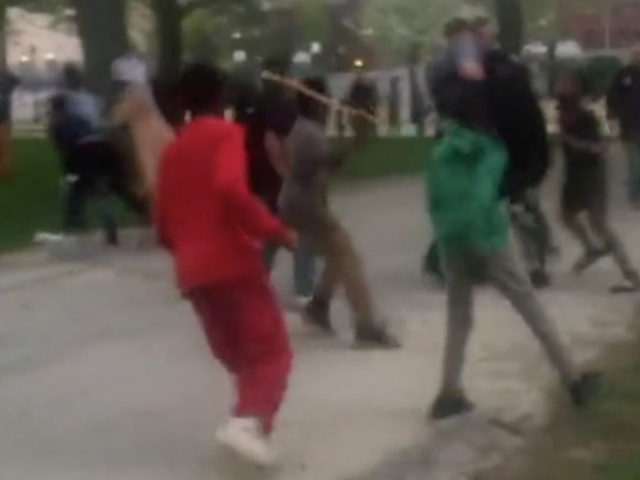 In what is just the latest incident of violence by Somali refugees in the United States, a gang has been caught on video attacking victims in a Lewiston, Maine, park. Read more at http://static.wnd.com/2018/05/see-video-somali-gang-storms-maine-park-beats-victims/#Lc61wy2qffjbFrhF.99