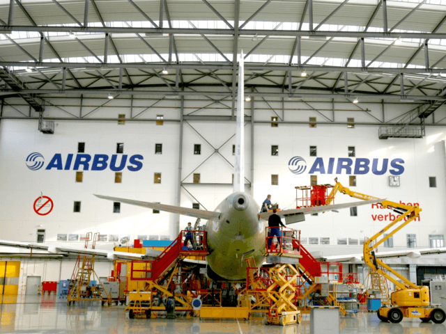 Jeremy Hunt rebuke for Airbus over threat to leave UK