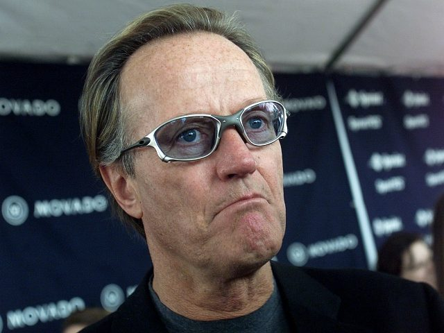 US actor Peter Fonda arrives at the Independent Spirit Awards in Santa Monica 25 March, 2000. (ELECTRONIC IMAGE) AFP PHOTO/GERARD BURKHART (Photo credit should read GERARD BURKHART/AFP/Getty Images)