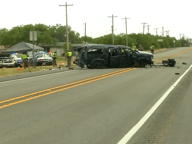 Rollover crash kills four illegal immigrants in Texas. (Photo: News4SanAntonio video screenshot_