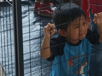 Fake News Child Crying (Leroy Pena via Jose Antonio Vargas / Twitter)
