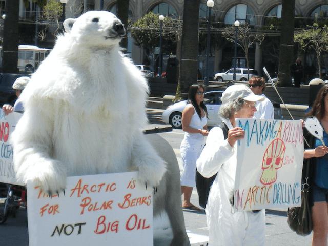 Polar bear climate change protest (Polar Bear Uprising Photos / Flickr / CC / Cropped)
