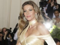 Gisele Bündchen Cheers for Brazil at World Cup, Loudly