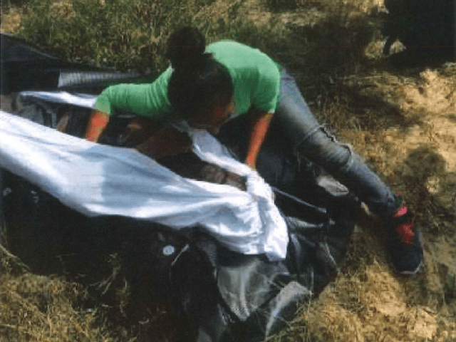 Border patrol agents fire tear gas at group of migrants