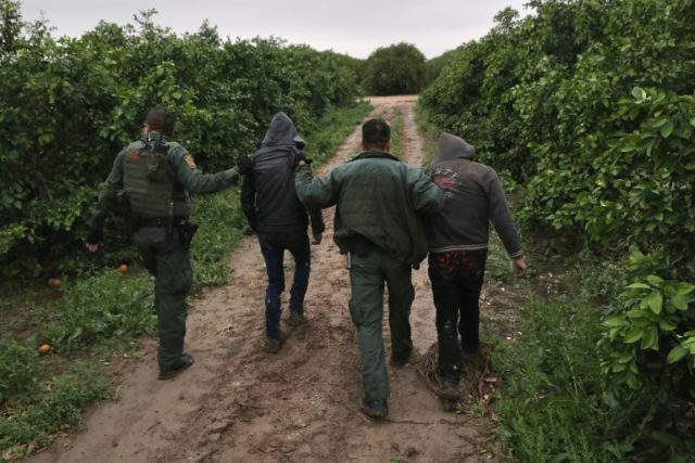 US illegal border crossings rise in May despite arrest policy