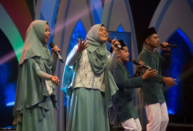 Syiar Anak Negeri (The Country's Children Preach) is one of a string of programmes played during Ramadan in Indonesia that feature kids as young as three competing for TV stardom