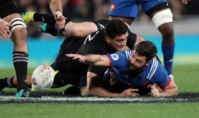 France have made five changes ahead of Saturday's match against the All Blacks following last week's defeat