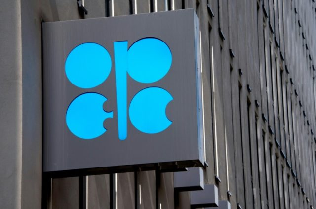 Oil kingpin Saudi Arabia and Russia are pushing to ease an OPEC oil production cap