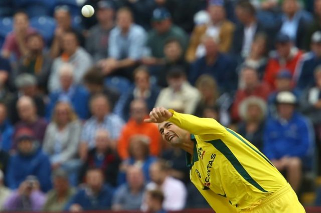 Agar accepts only Australia's 'absolute best' will beat England